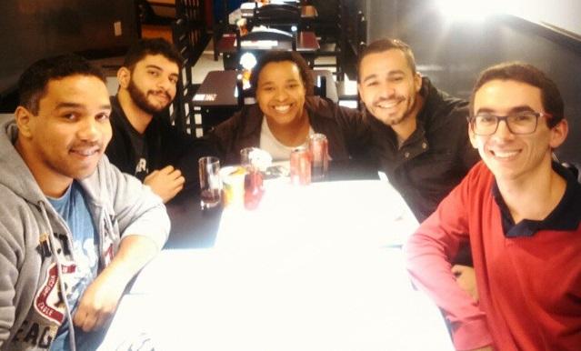 Da esquerda para direita: Rodrigo, Geovani, Priscila, Bruno e João Victor.