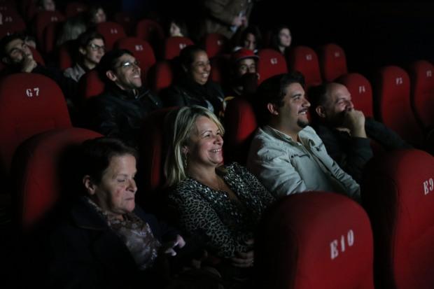 Foto da primeira sessão exibida no Cine Bauhaus