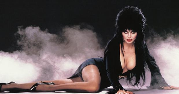 Elvira-a-rainha-das-trevas